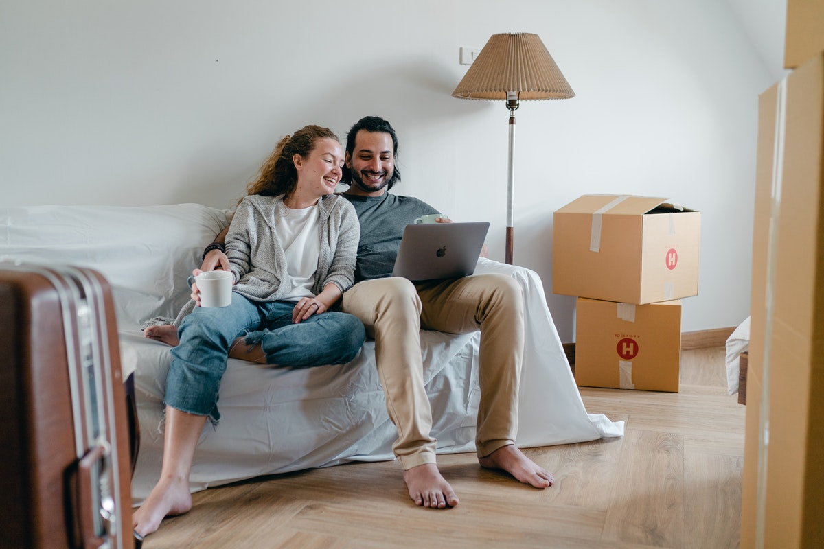 How to Start the Next Chapter with a Healthy Mindset When You First Move Out