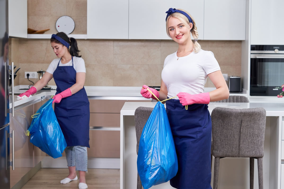 Five Tips to Create the Perfect Roommate Cleaning Schedule